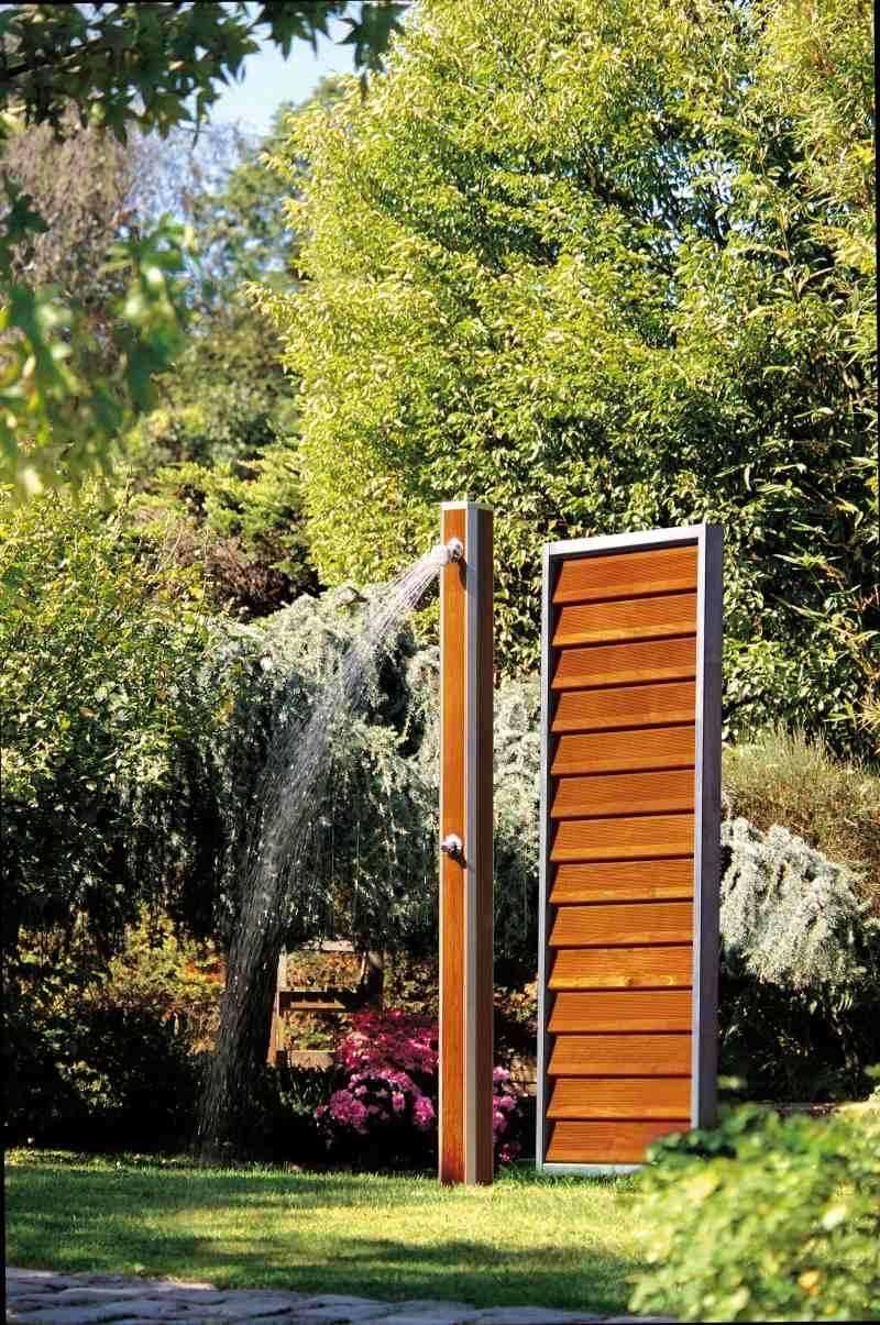 Douche Extérieure Originale douche de jardin en bois - piscinelle