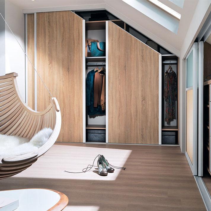 Dressing Mural Contemporain En Chêne Avec Porte Coulissante - Porte placard coulissante avec porte en chene