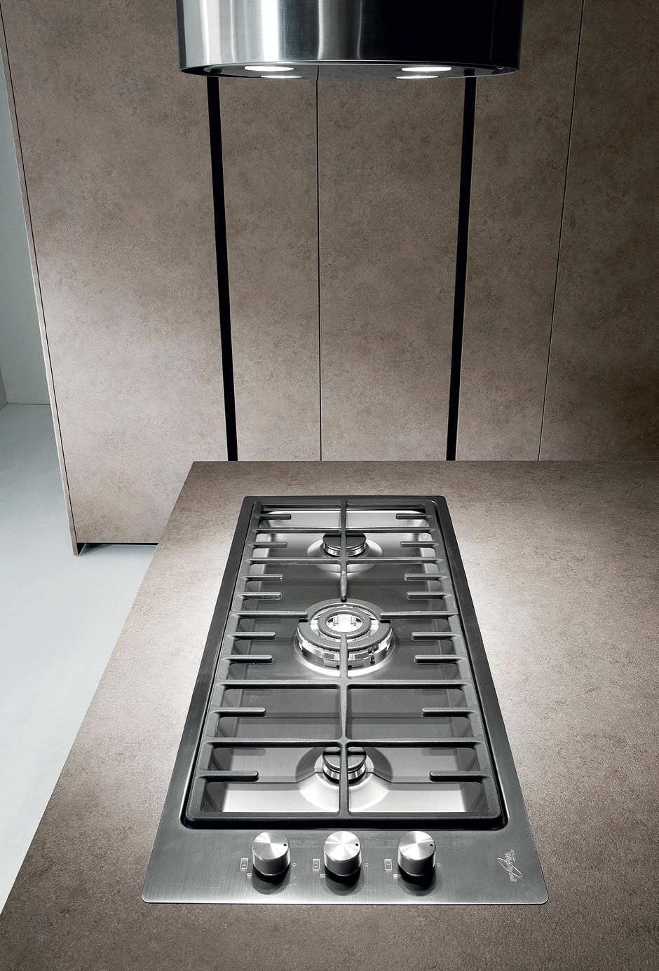 Cuisine contemporaine / en stratifié / avec îlot - CRETA CORNER by ...