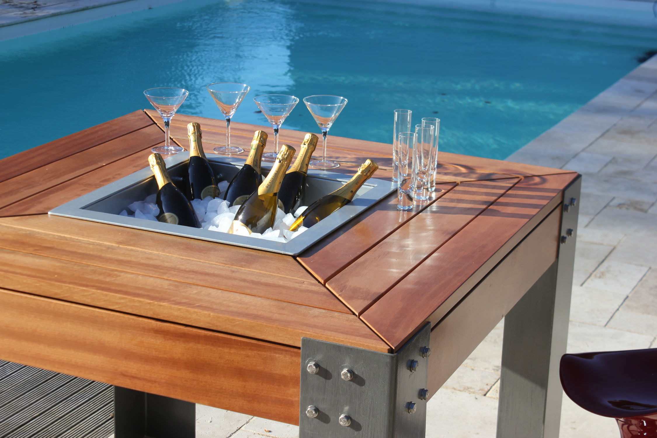 Brasero de jardin à bois / en acier galvanisé / bar / avec barbecue ...