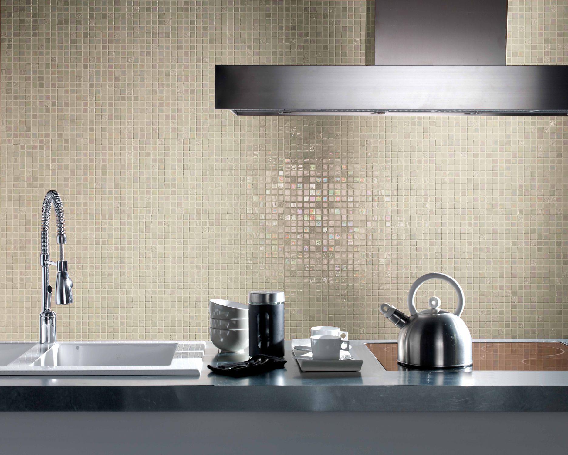 Mosaïque de salle de bain / murale / en verre / blanche   design ...