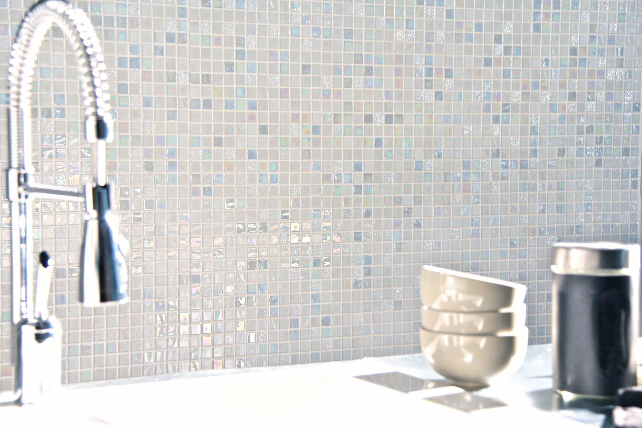 mosaque de salle de bain murale en verre blanche