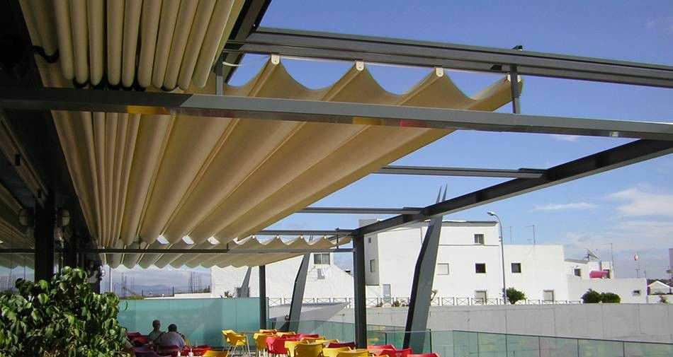 Pergola autoportée / en aluminium / couverture coulissante en ...
