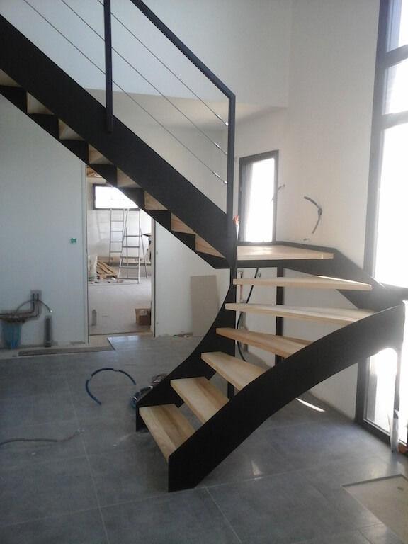 Escalier droit / quart tournant / demi-tournant / structure en métal ...