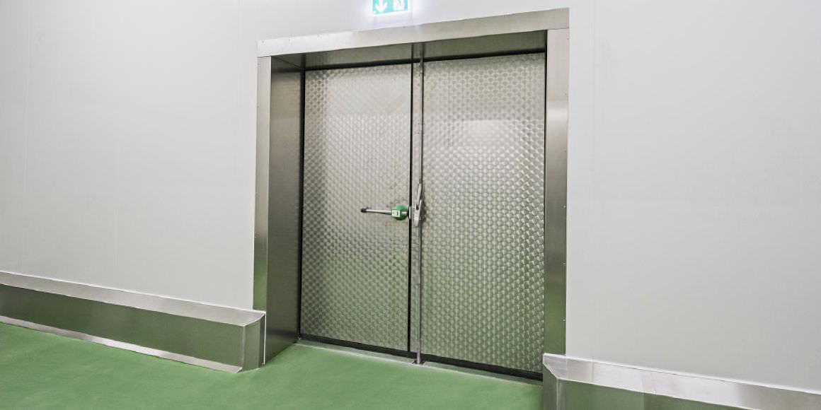Porte industrielle battante / en acier inoxydable / à isolation ...