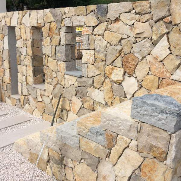 Installation pierre décorative extérieure