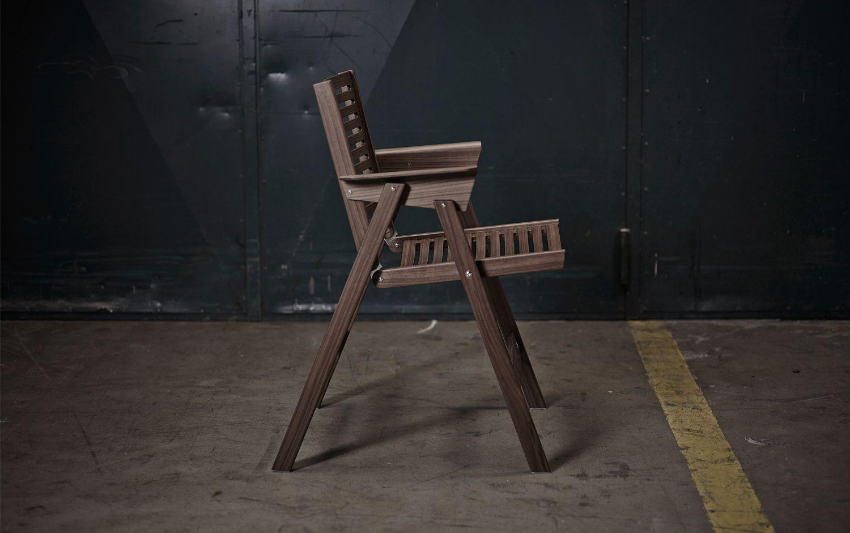 Chaise Design Scandinave Pliante Avec Accoudoirs En Noyer