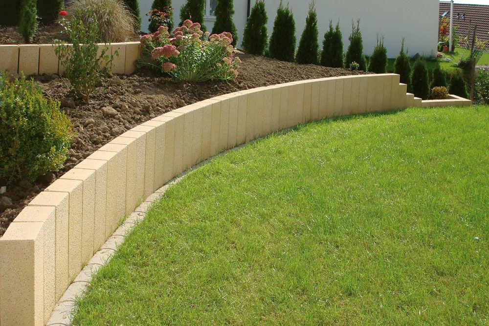 bordure de jardin / en béton / rectangulaire - uhl