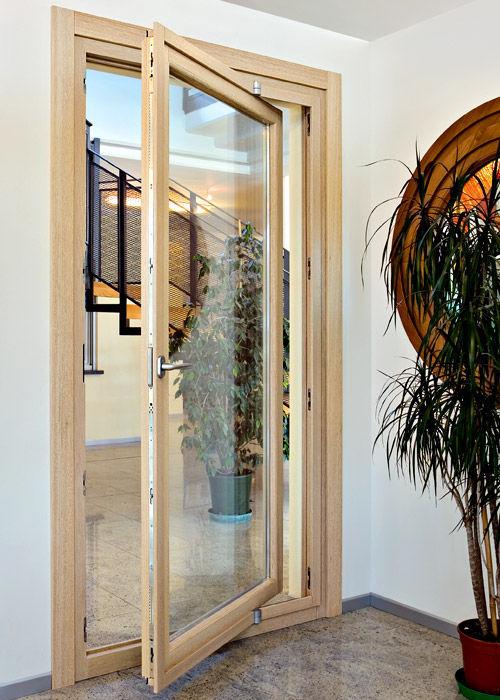 Porte Fenêtre Pivotante à Axe Excentré En Bois à Double Vitrage