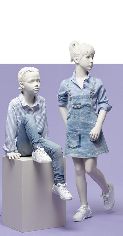 Mannequin De Vitrine Enfant Realiste Assis Generation Z