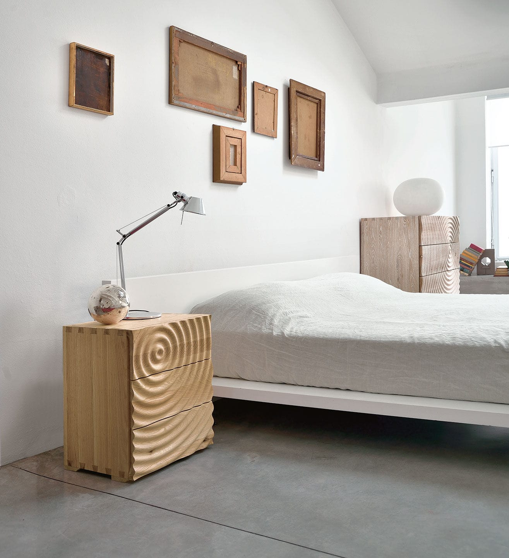 Table de chevet contemporaine / en frêne / rectangulaire / avec ...