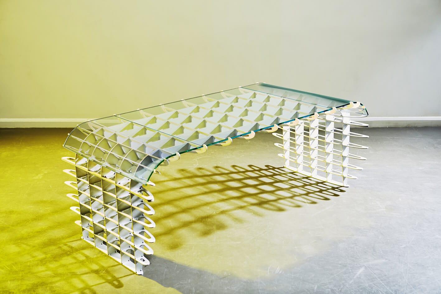 Bureau en aluminium brossé en verre design original