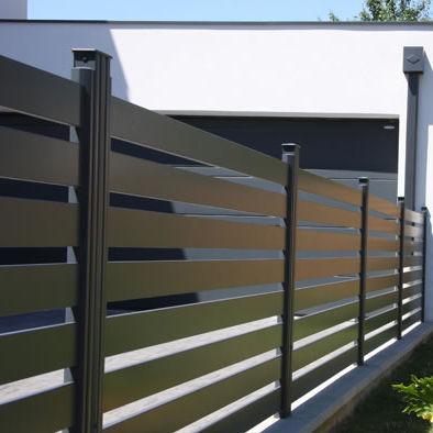 Clôture de jardin / à lames / en aluminium / lisse - CONTEMPORAIN ...