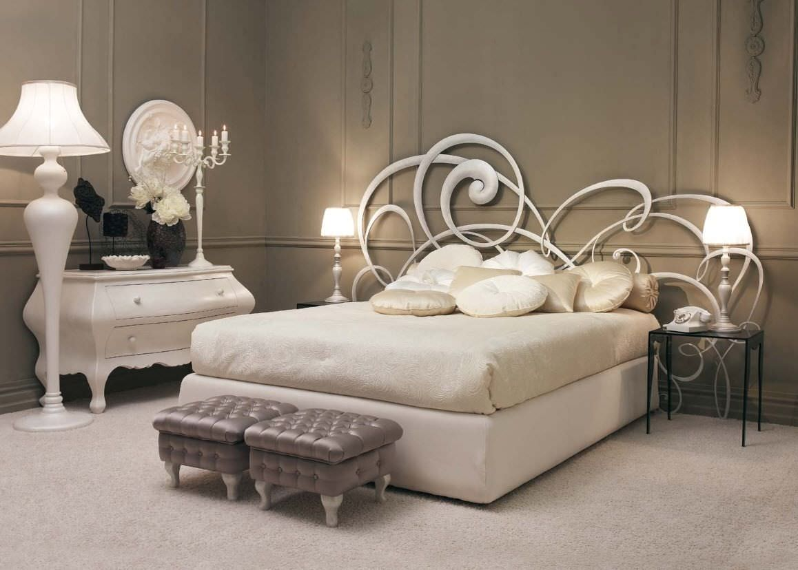 Chambre Baroque Beige Full Size Of Persienne Une Tete En Rangement - Lit adulte baroque