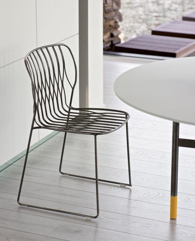 Chaise contemporaine / empilable / luge / en métal laqué - FREAK ...