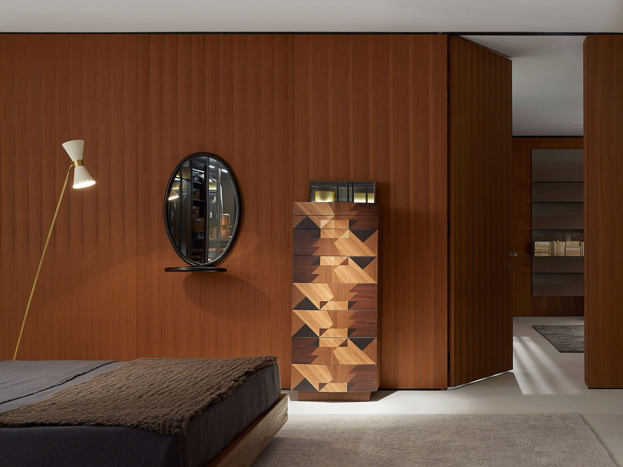 Miroir mural contemporain ovale en bois massif LOOP by