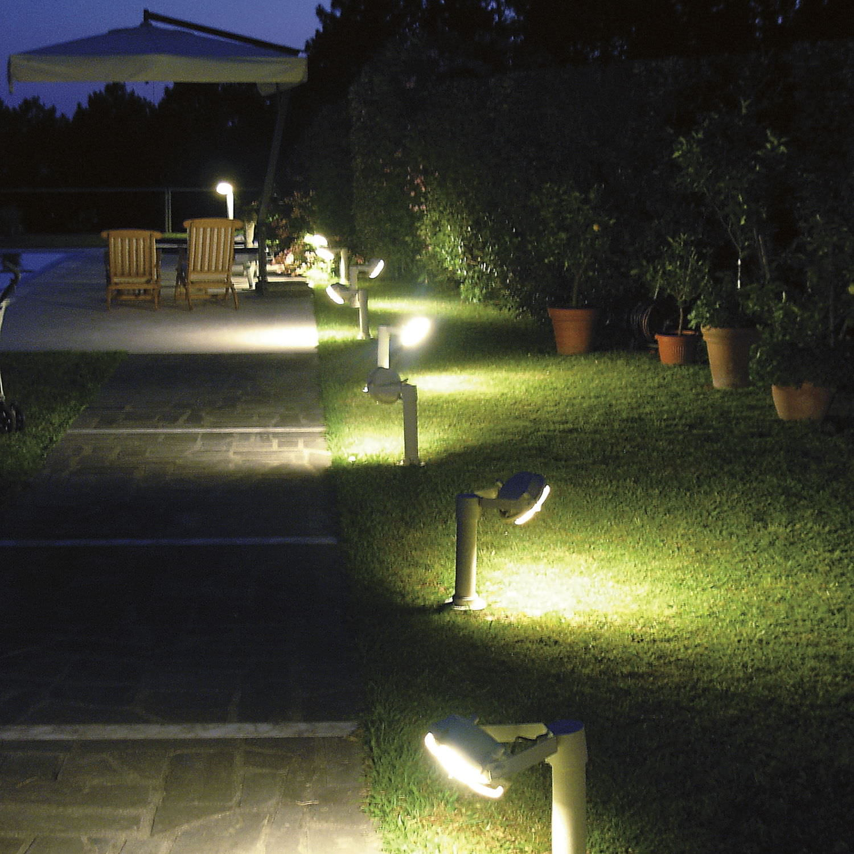 Borne d éclairage de jardin contemporaine en acier  LED
