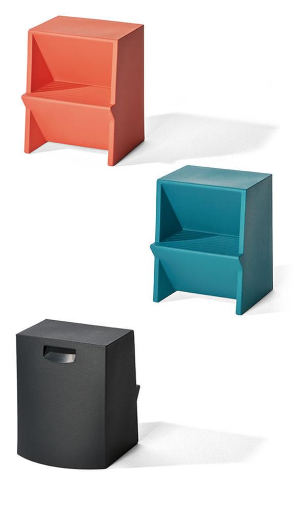 Tabouret Design Original Contemporain En Polyethylene Escabeau