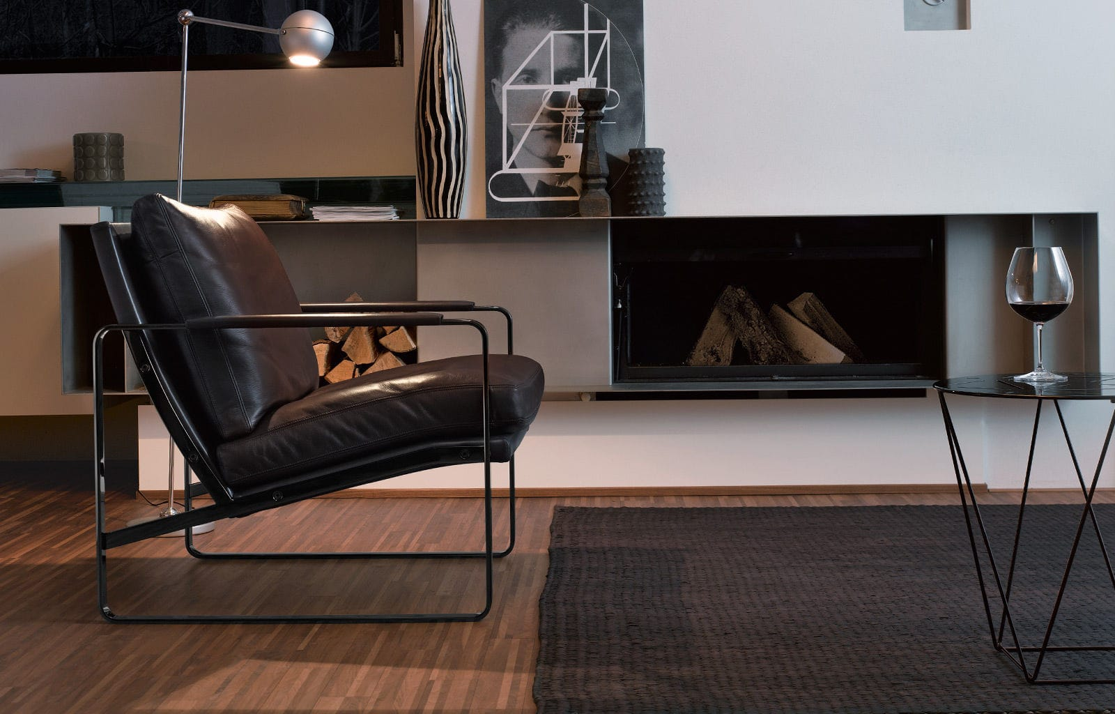 Fauteuil design scandinave en métal en cuir luge FABRICIUS