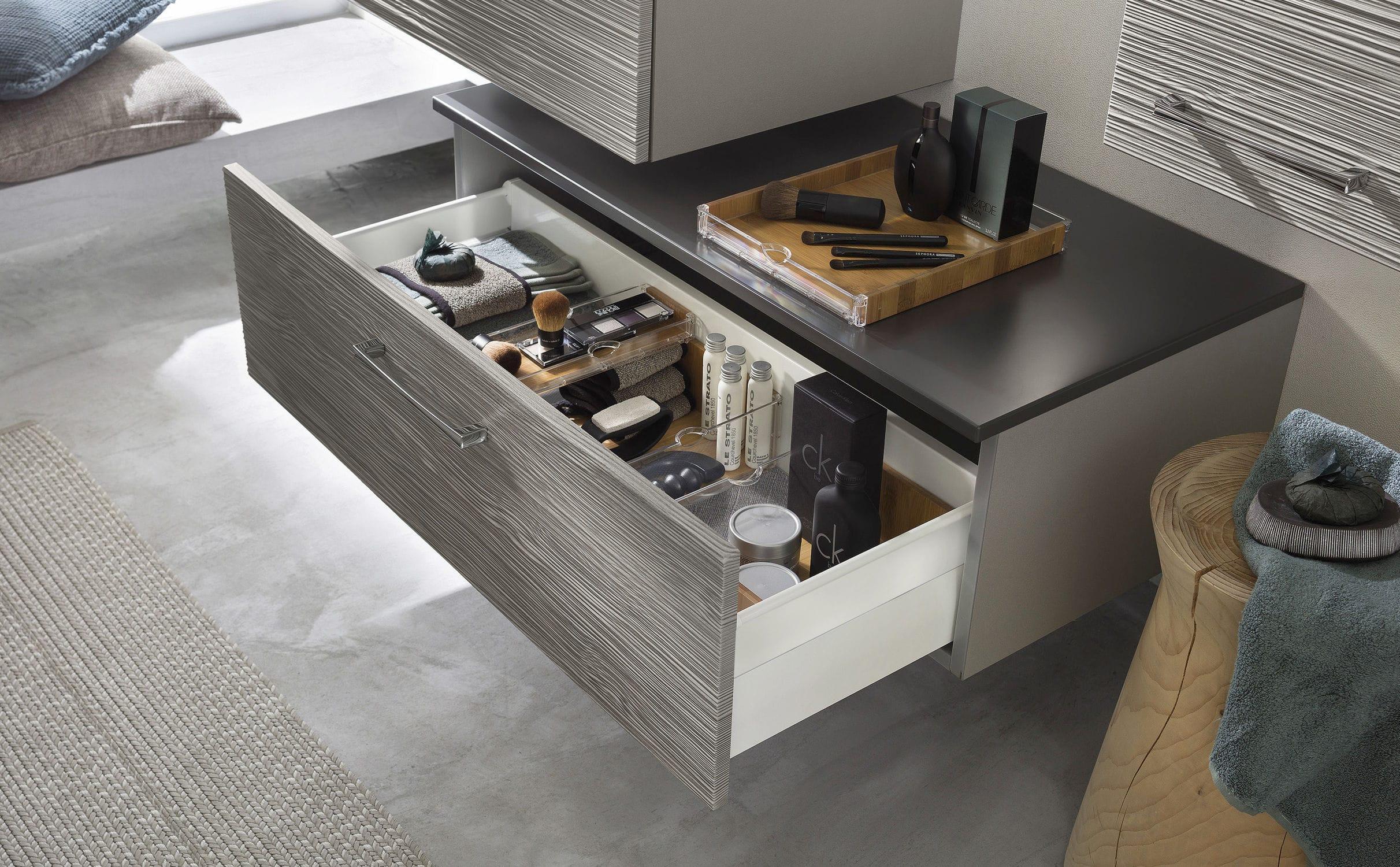 Salle de bain contemporaine / en bois laqué / en verre - UNIQUE ...