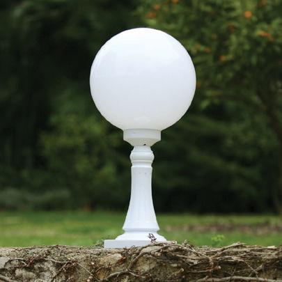 Borne d\'éclairage de jardin / classique / en aluminium / en ...