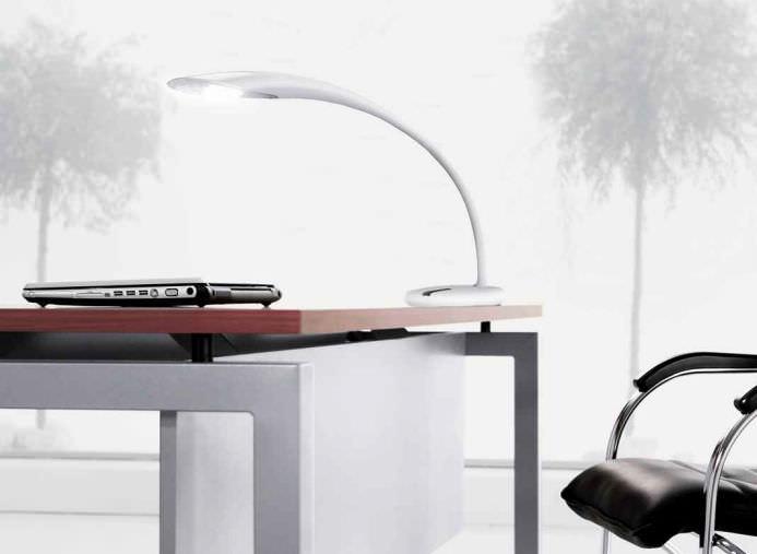 Lampe de bureau design original en aluminium à led neo