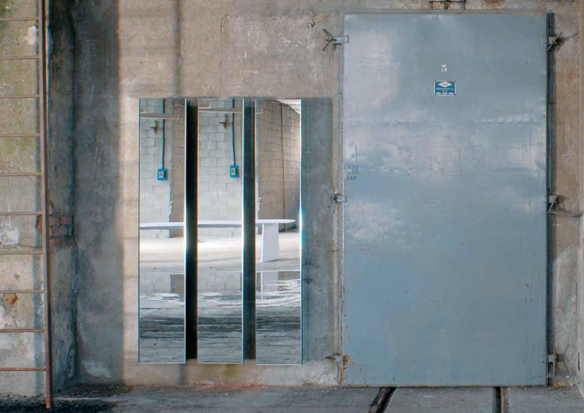 tagre murale contemporaine en verre avec miroir ambrogio by alberto colonello minottiitalia - Etagere Murale Miroir