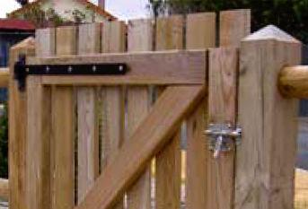 Portillon en bois de jardin taille portillon | Carlier construction