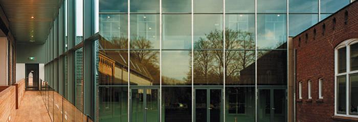 murs rideaux en verre