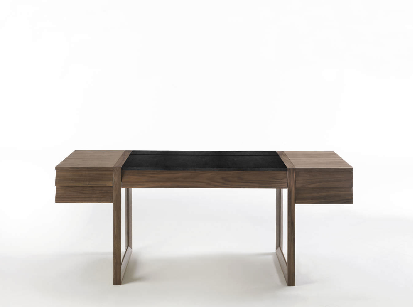 Bureau en bois en cuir contemporain elle ecrit by jamie durie