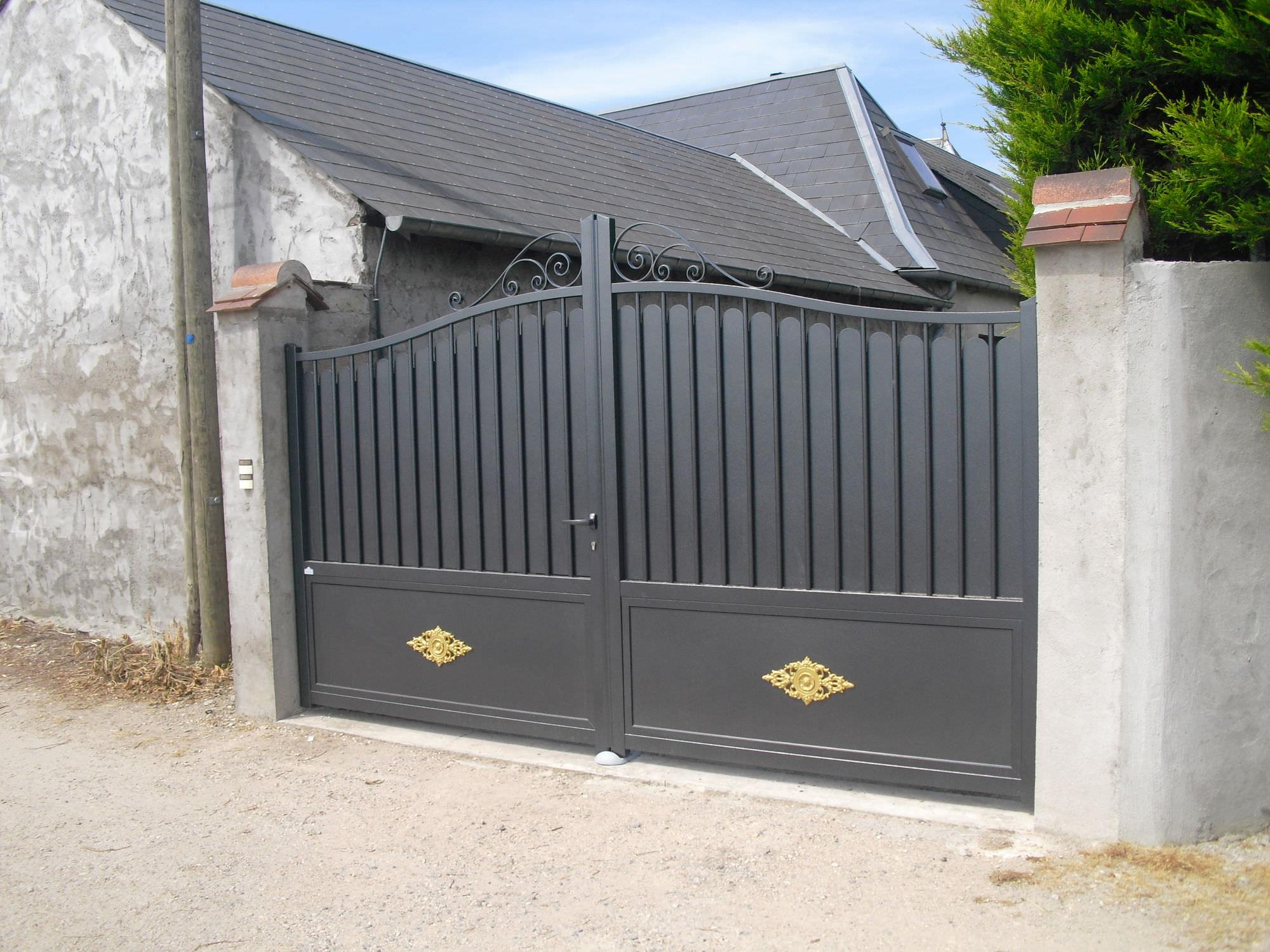 Portail Battant En Aluminium A Panneau Residentiel Elegance
