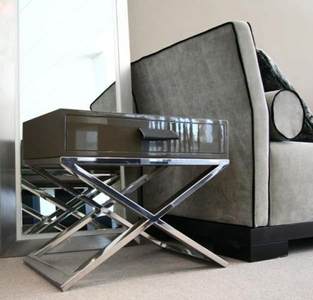 Table de chevet contemporaine / en acier / rectangulaire / avec ...