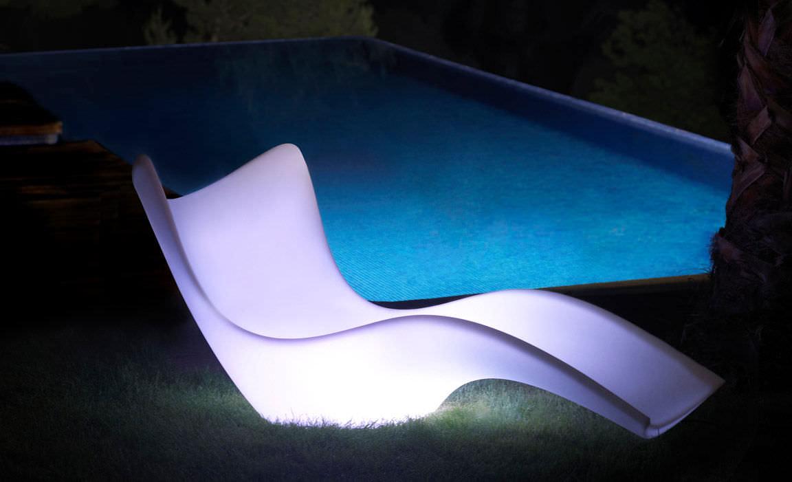 bain de soleil design original / en polyéthylène / de jardin