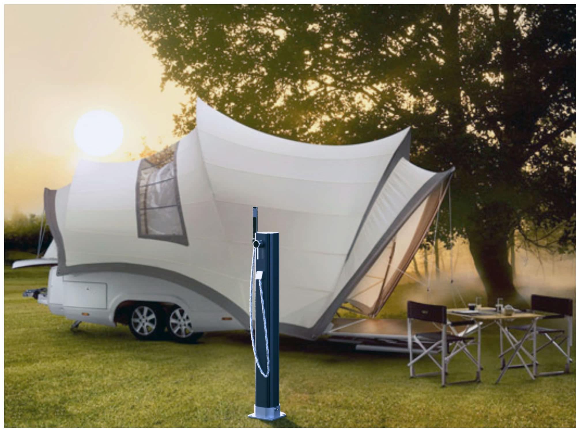 Douche de jardin solaire en PE HAPPY GO Arkema Design
