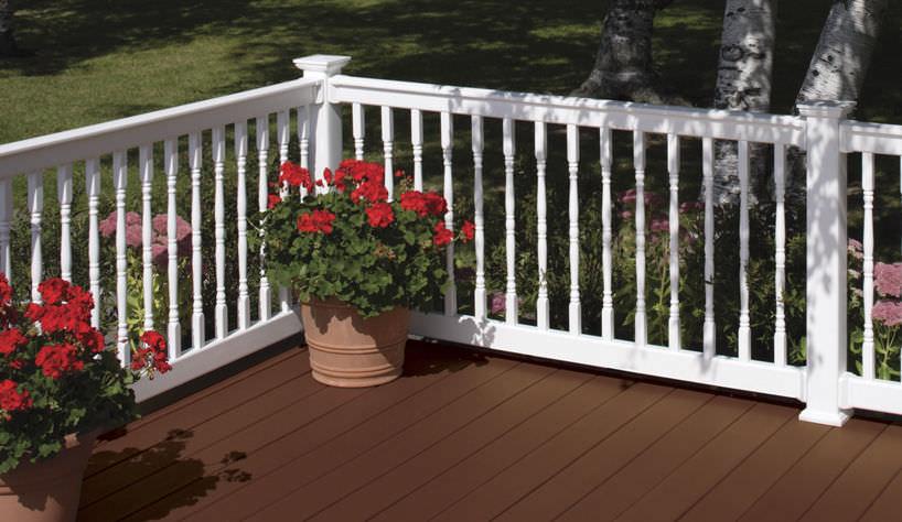 Garde-corps en PVC / à barreaux / d\'extérieur / pour terrasse ...