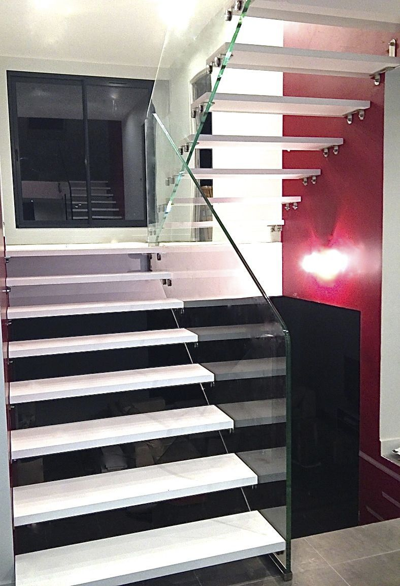 Escalier Droit Sans Rampe dedans escalier demi-tournant / marche en bois / structure en verre / sans