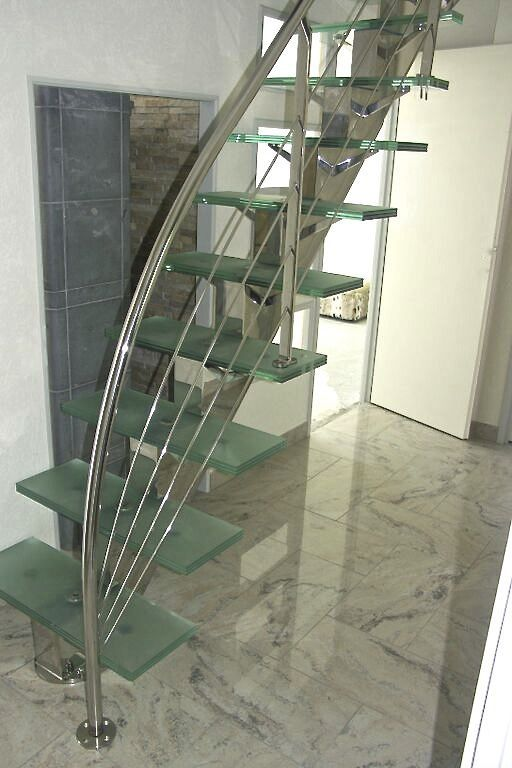 escalier droit marches verre