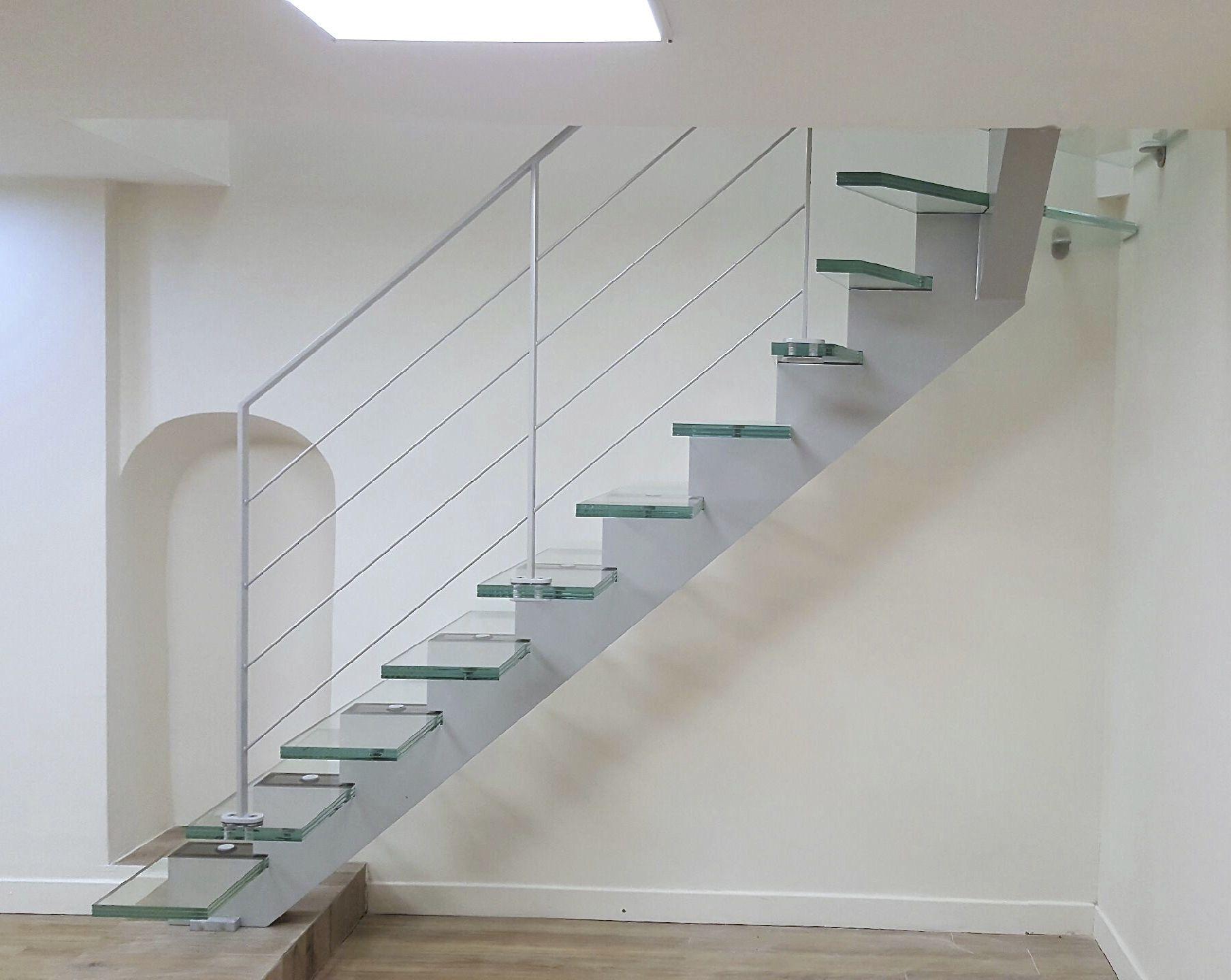 Escalier Droit Sans Rampe destiné escalier quart tournant / marche en verre / structure en acier