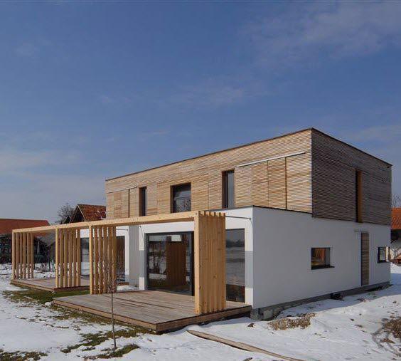 Maison Préfabriquée / Duplex / Contemporaine / En Bois Massif   LOW ENERGY  By Alenka Kragelj Eržen