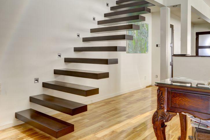 Escalier droit / marche en bois / sans contremarche / contemporain ...