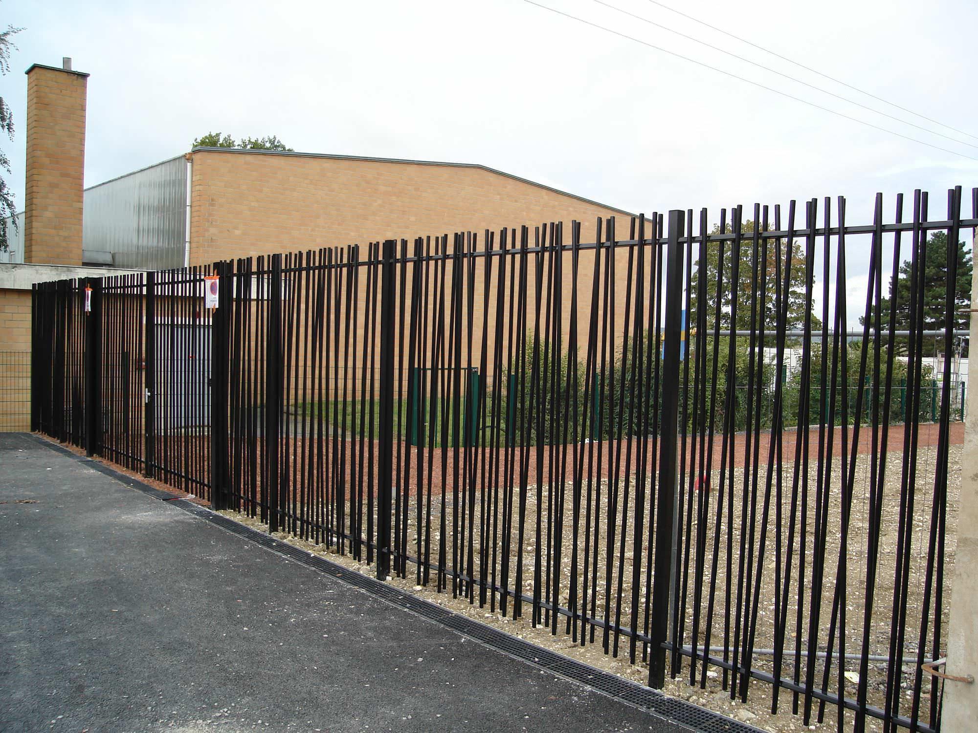 Clôture de jardin / à barreaudage / en métal / modulaire - ROSEAU ...