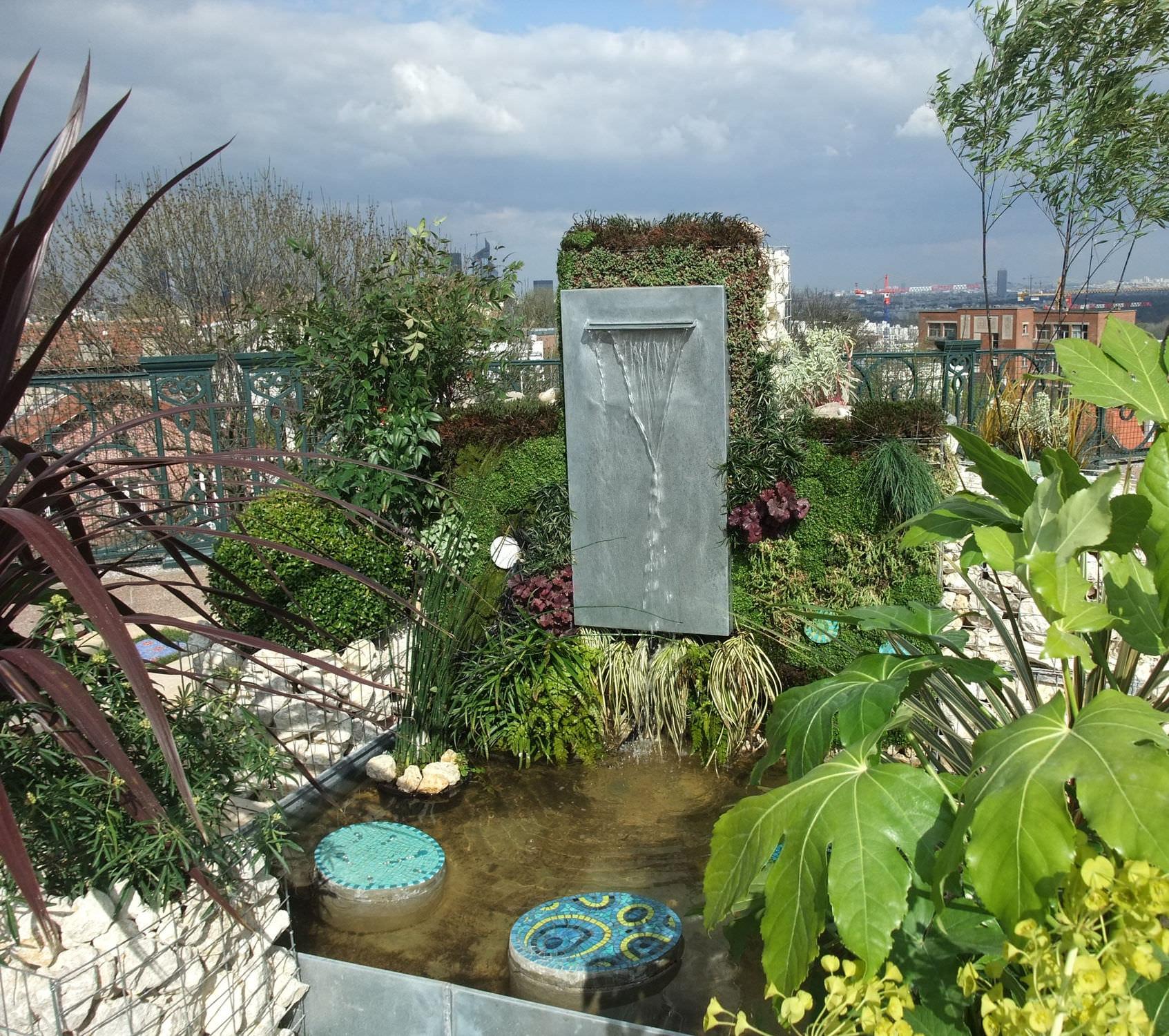 Fontaine de jardin en zinc FONTAINE ZINC MURALE Tonton Zingueur