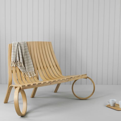 Banc de jardin / design original / en bois - LOOP - Tom Raffield