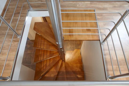 escalier helicoidal en bois