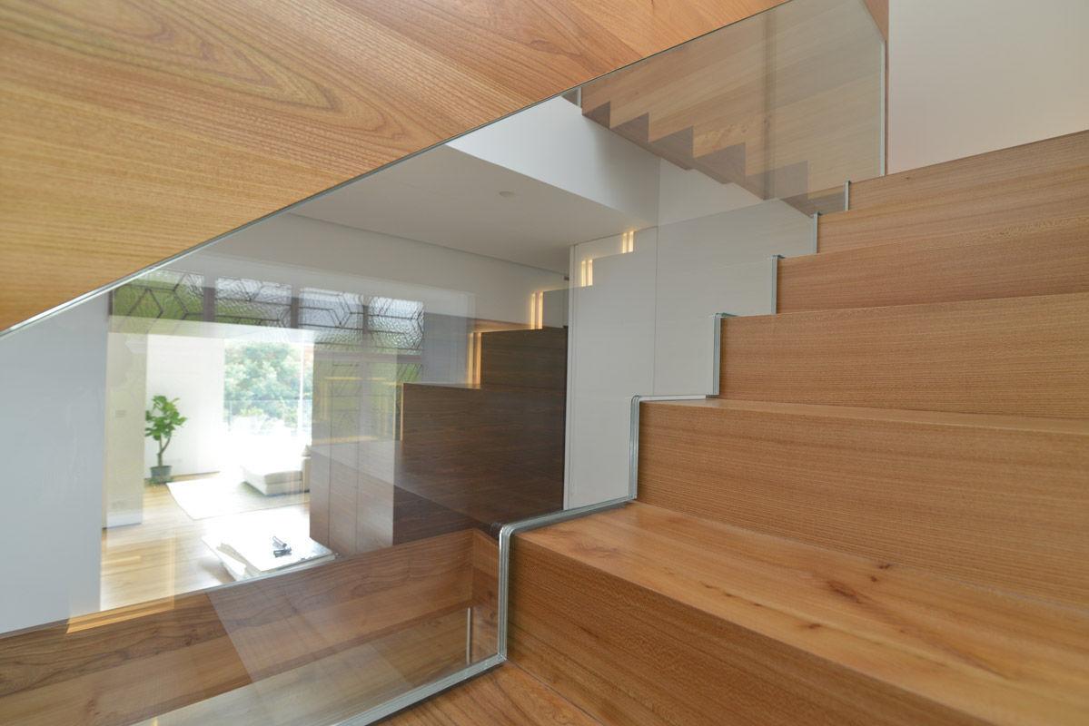 Escalier Quart Tournant Droit Marche En Bois Structure En  ~ Escalier Bois Quart Tournant Gauche