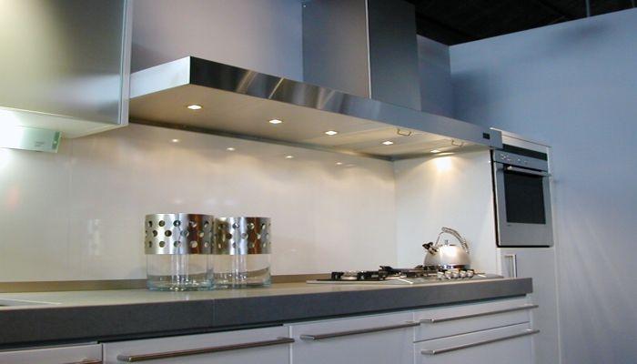 Hotte De Cuisine Murale Avec Eclairage Integre Pa Series Kilpa