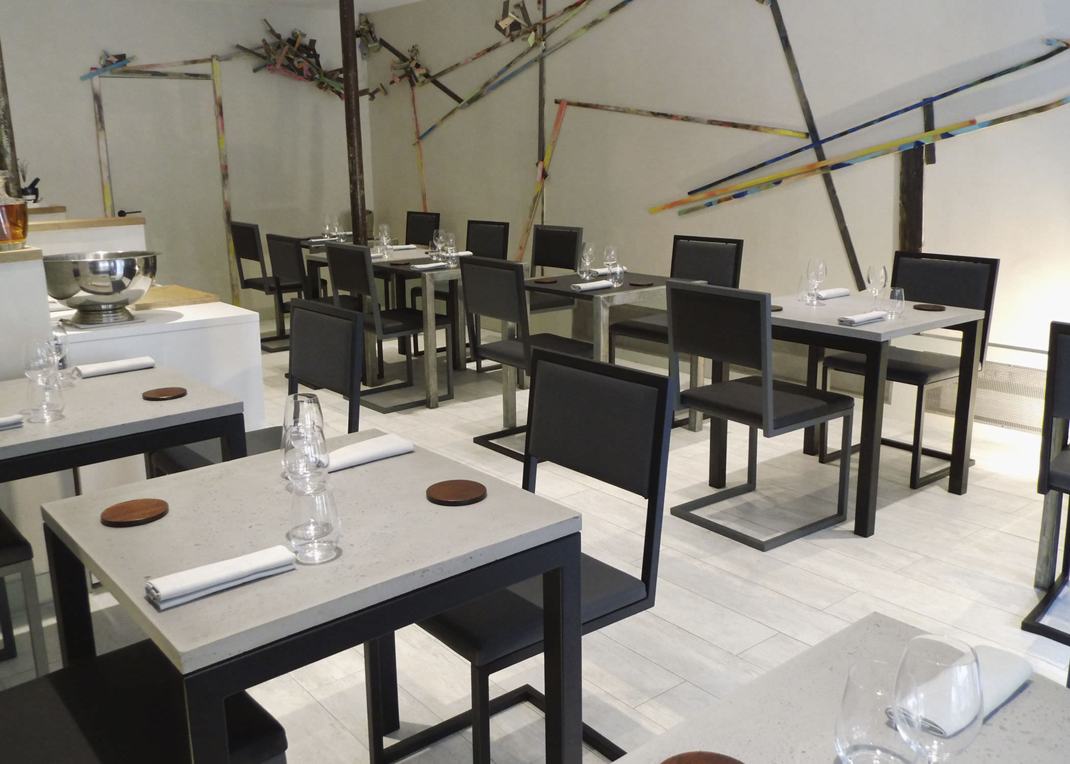Chaise De Restaurant Contemporaine Tapissee Cantilever En Acier