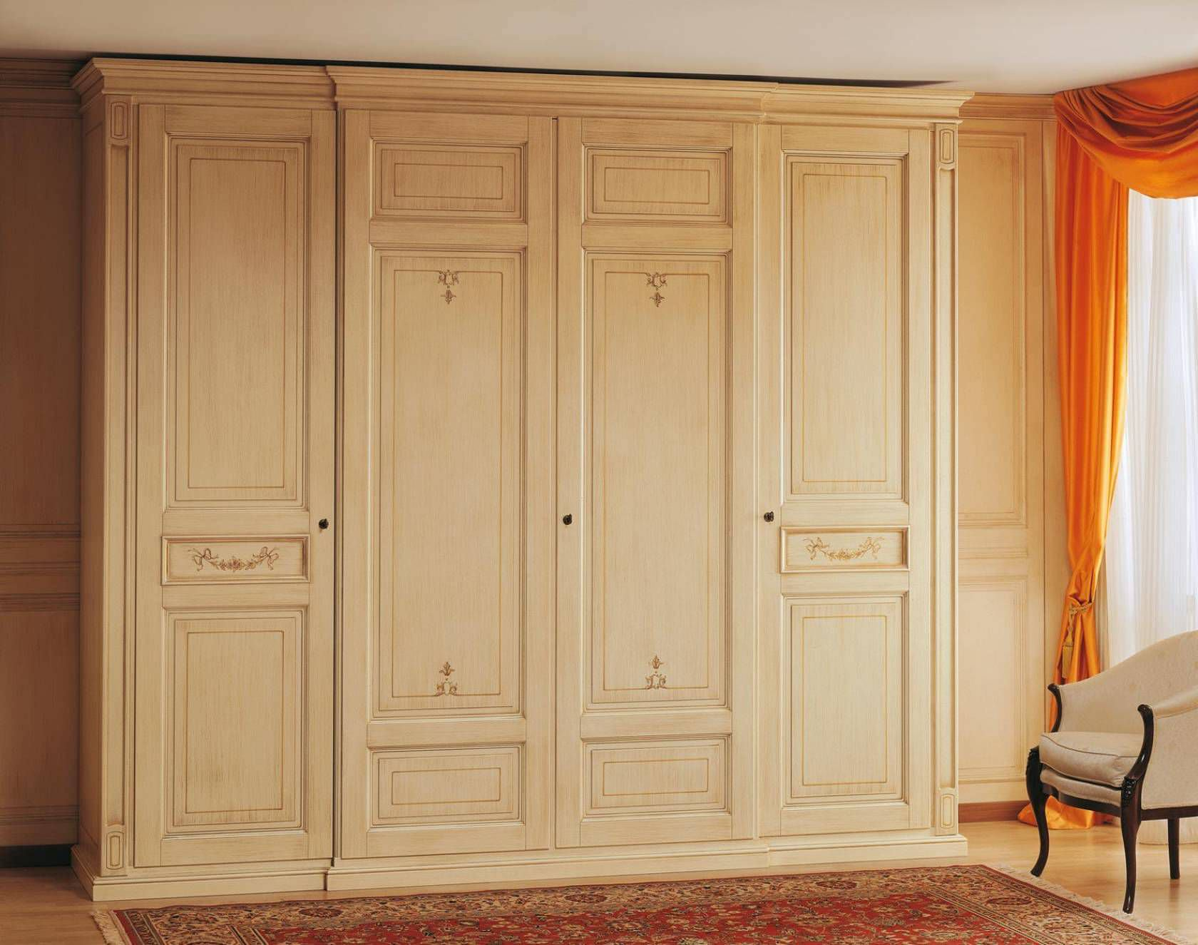 Armoire de chambre classique / en bois / en bois laqué / à porte ...