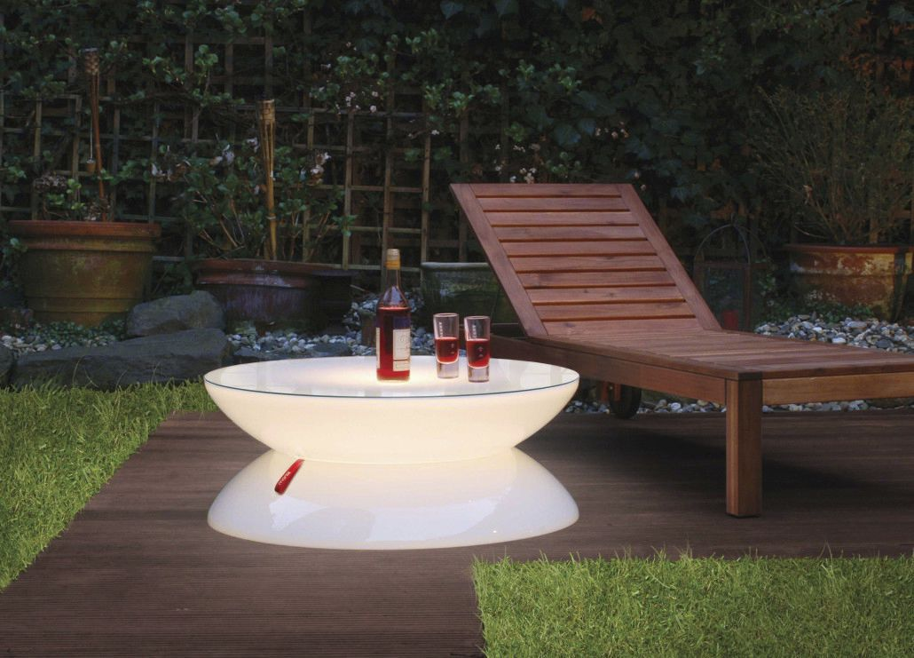 Table basse design original / en plastique / ronde / de jardin ...