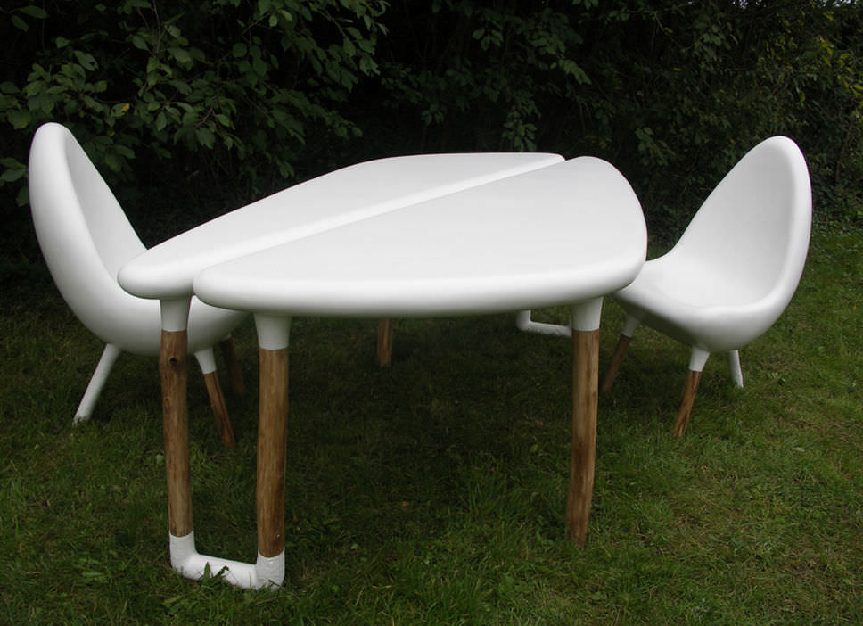 Table design organique / en résine / en fibre de verre / de jardin ...